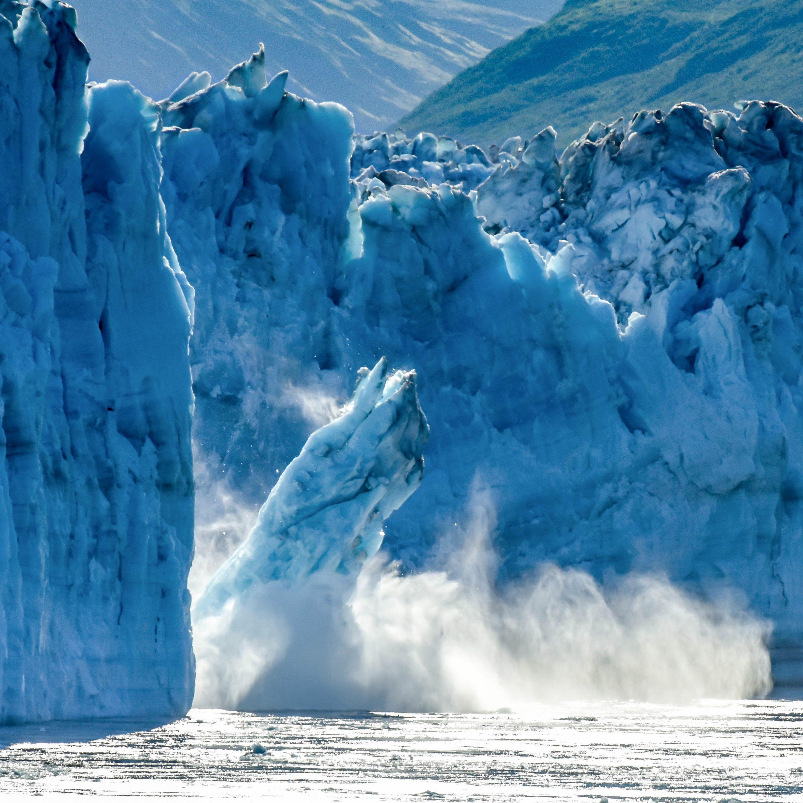 iceberg breaking
